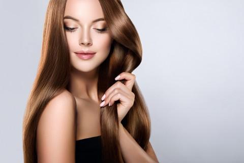 La coiffure tendance pour cheveux longs