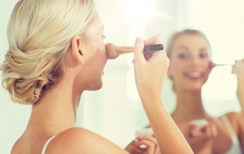 Conseils beauté pour un maquillage de Noël